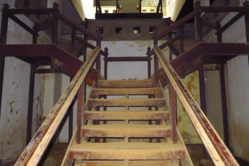 Treppenaufgänge aus Holz.