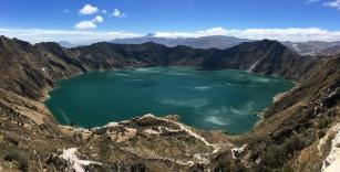 Vulkankrater Lagune Quilotoa, Ecuador.